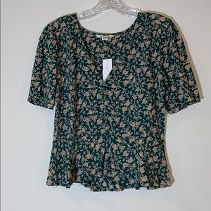 NWT! American Eagle Short Sleeve Floral Blouse